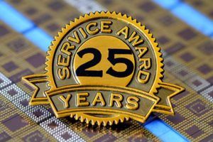 Reel Service 25 Year Service Award Pin Badge
